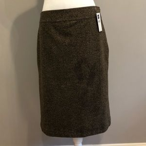 NWT GAP brown skirt, size 6